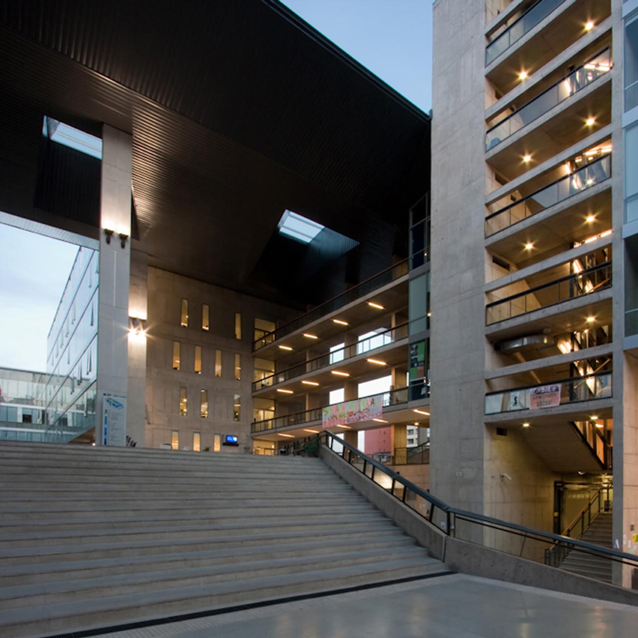 Edifício Campus Almagro Norte, Universidad Central de Chile / Marsino Arquitectos, © Aryeh Kornfeld