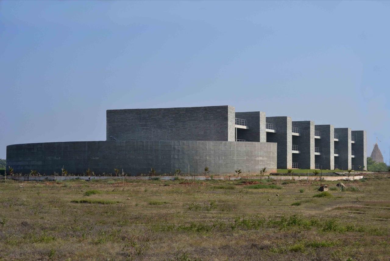 Casa de Hóspedes Pavapuri / Matharoo Associates, Cortesia Matharoo Associates