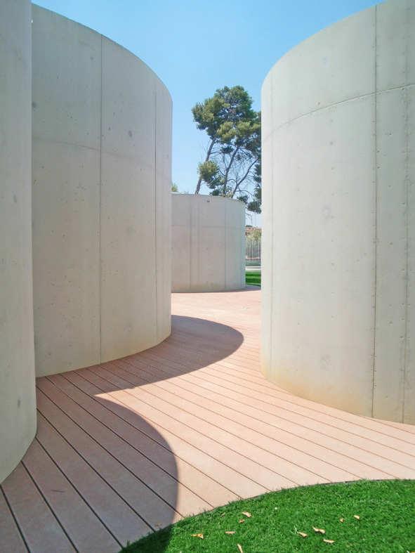 Galeria de piscinas de ver o em godella lvarez cubells for Piscina de godella