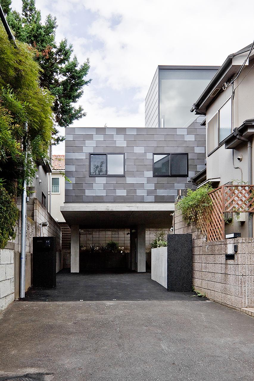 Casa em Eifukucho / upsetters architects, © Yusuke Wakabayashi