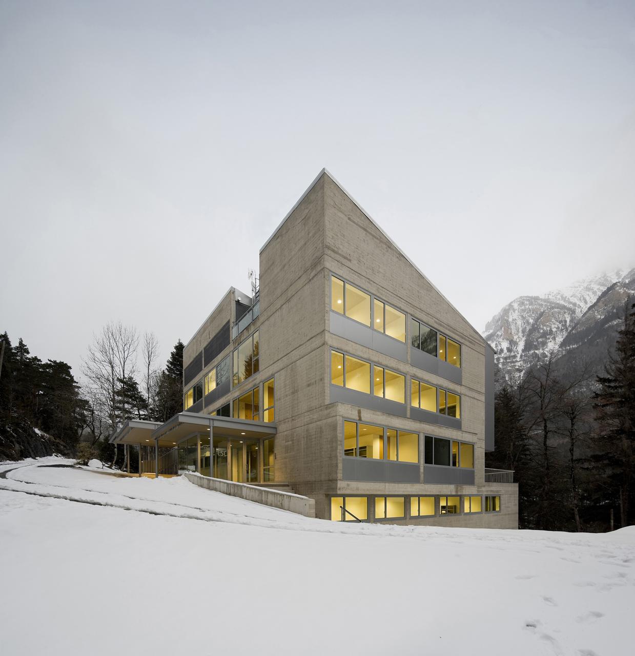 Edifício Sede do Laboratório Subterrâneo da Canfranc / Basilio Tobías, © Pedro Pegenaute