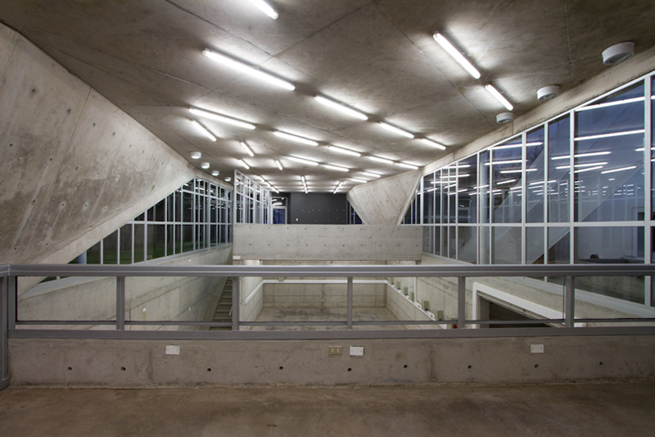 Oficina de Ferramentas FAD U. Finis Terrae / Marsino Arquitectos, © Aryeh Kornfeld