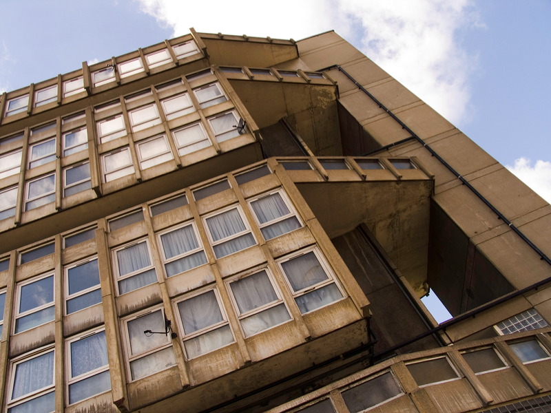 Clássicos da Arquitetura: Robin Hood Gardens / Alison e Peter Smithson, © flickr John Levett