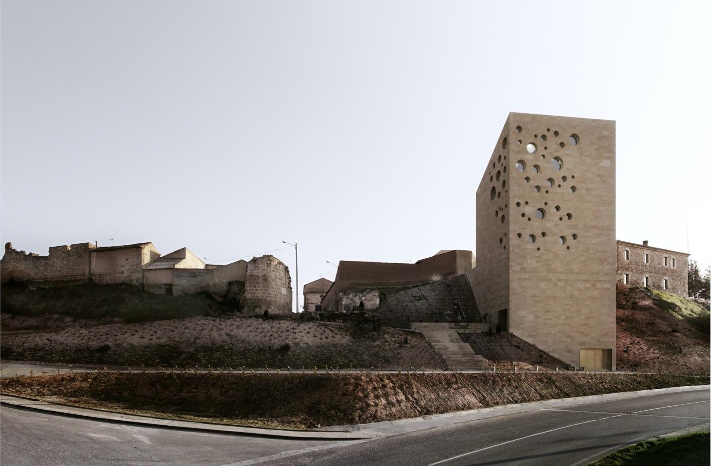Escritórios Ribera del Duero / Estudio Barozzi Veiga, © Mariela Apollonio