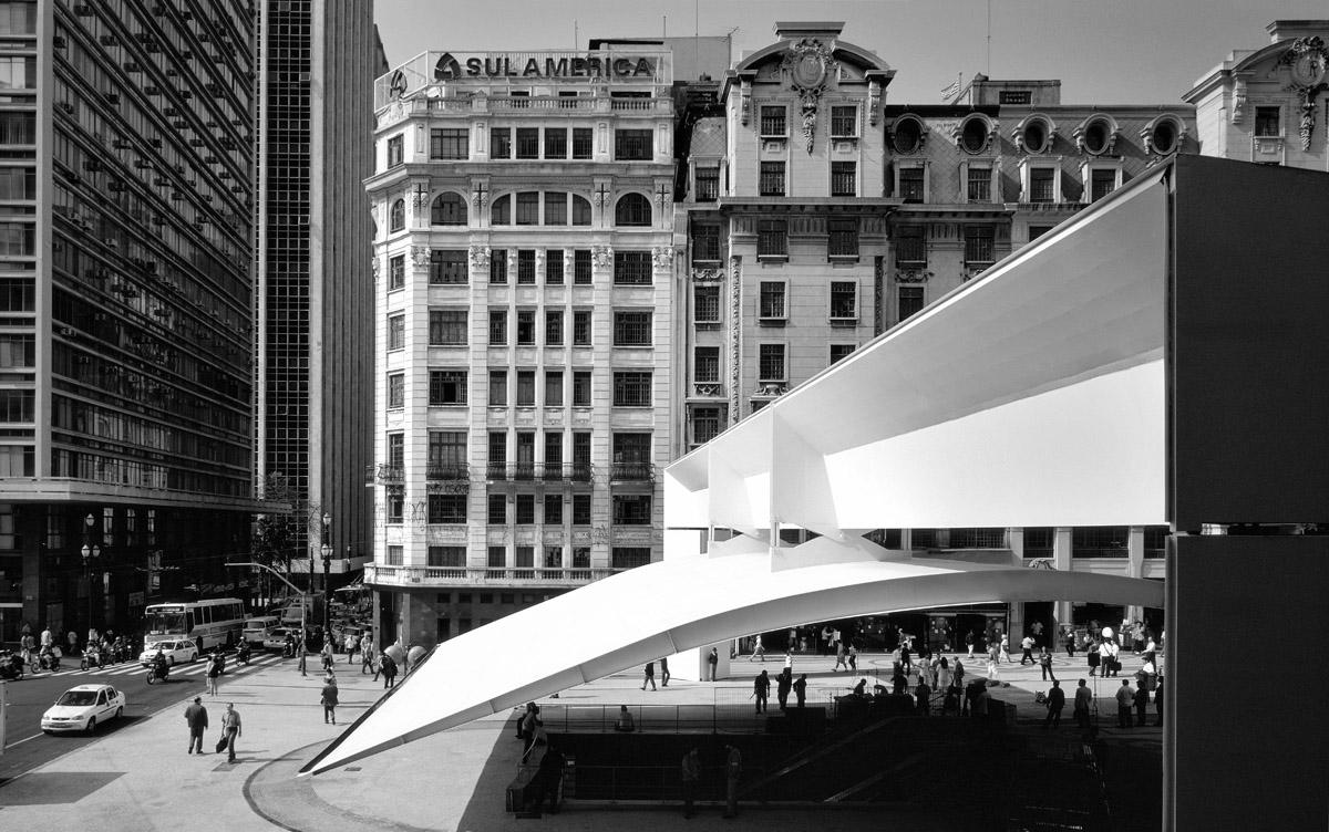 Fotografia e Arquitetura: Nelson Kon, Praça do Patriarca / Paulo Mendes Rocha © Nelson Kon