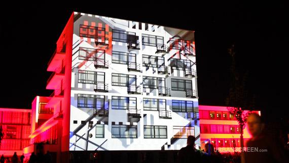 Vídeos: Projeções sobre a arquitetura reconfiguram o uso do espaço urbano, Via Urbanscreen