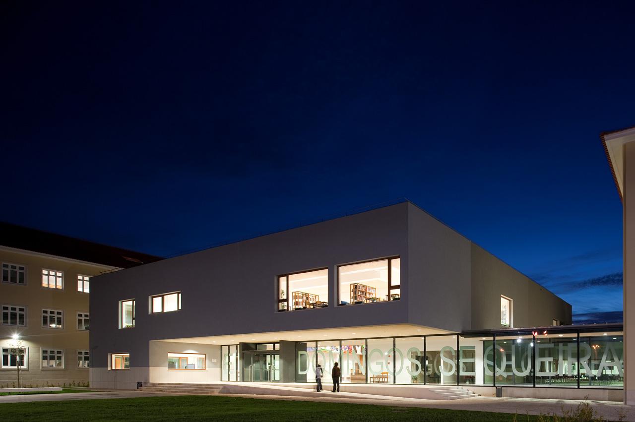 Modernização da Escola Secundária Domingos Sequeira  / BFJ Arquitectos, © FG+SG – Fernando Guerra, Sergio Guerra