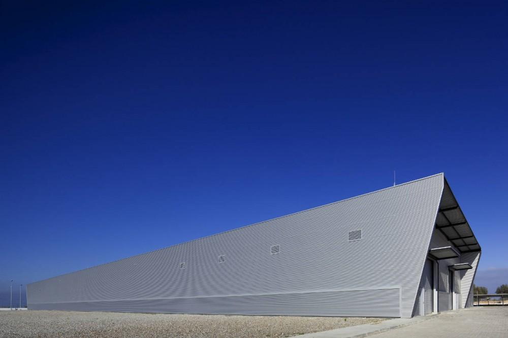 Oficinas e Fábrica Fotovoltaica / Quadrante Arquitectura, ©  FG+SG – Fernando Guerra, Sergio Guerra