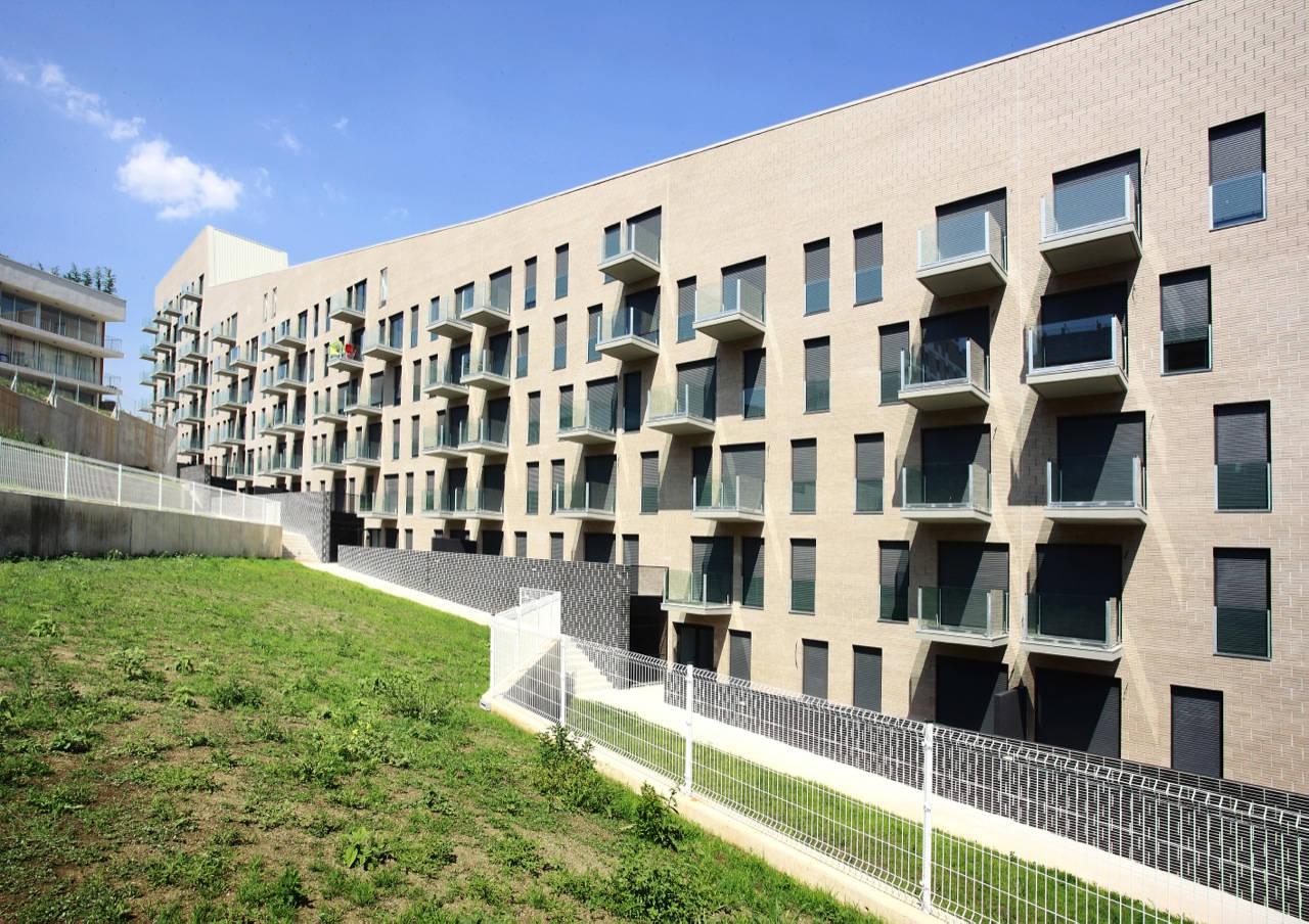 103 Unidades de Apartamentos em Turo Del Sastre / Batlle & Roig Architects, © José Hevia