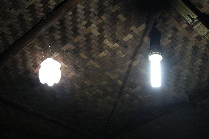 Em Detalhe: Garrafas que iluminam, MyShelter Foundation © Sidney Snoeck