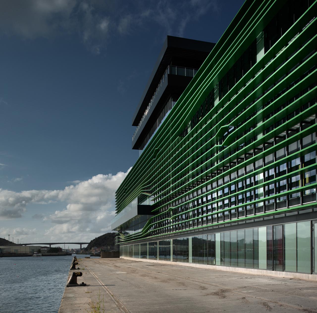 IDOM Headquarters / ACXT, © Aitor Ortiz