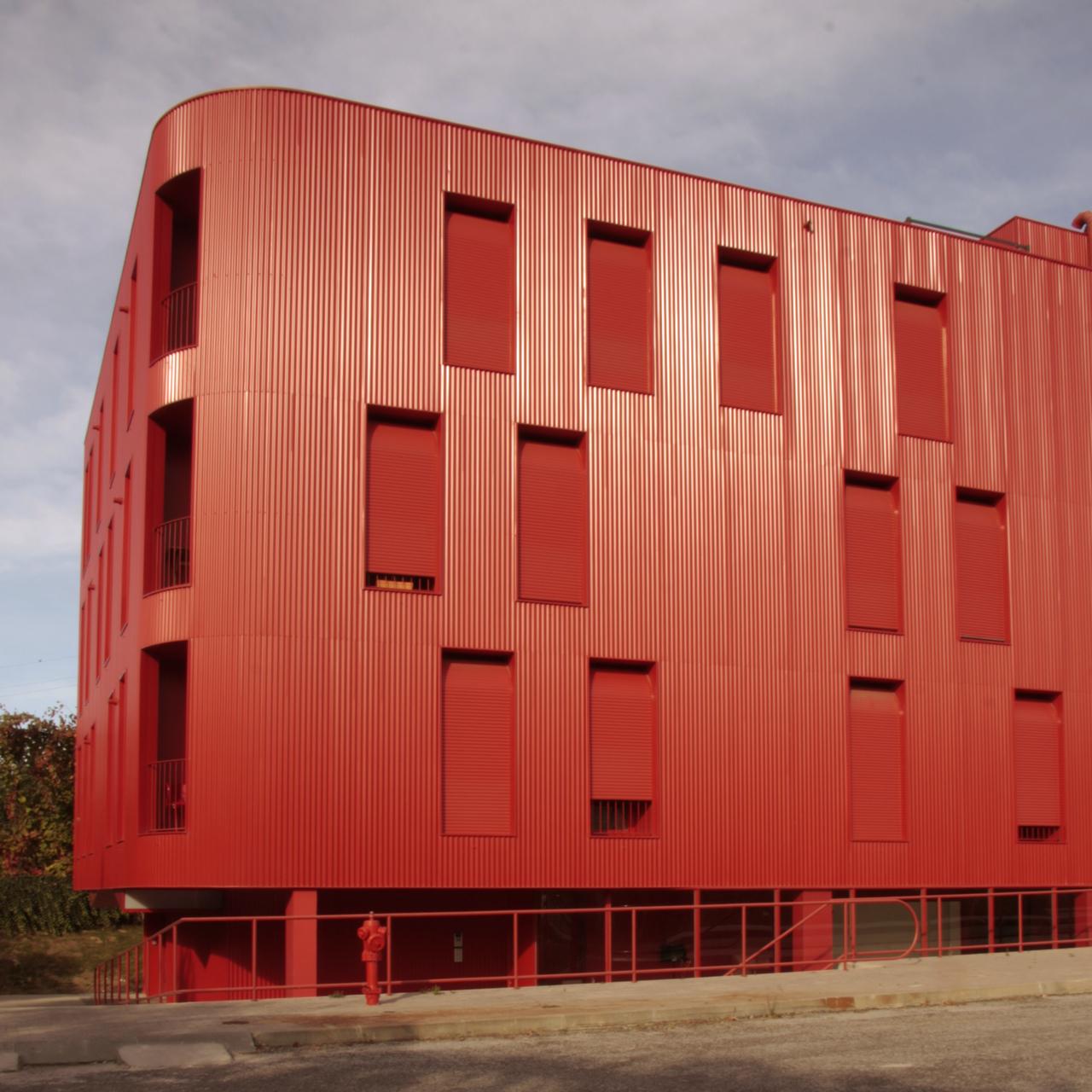 Flex Vermelho / Cerejeira Fontes Arquitectos, © santo eduardo di miceli