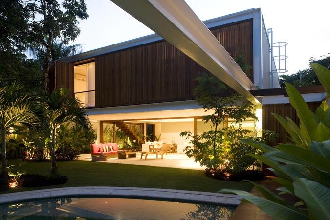 Casa GH  / Bernardes + Jacobsen Arquitetura, © Leonardo Finotti