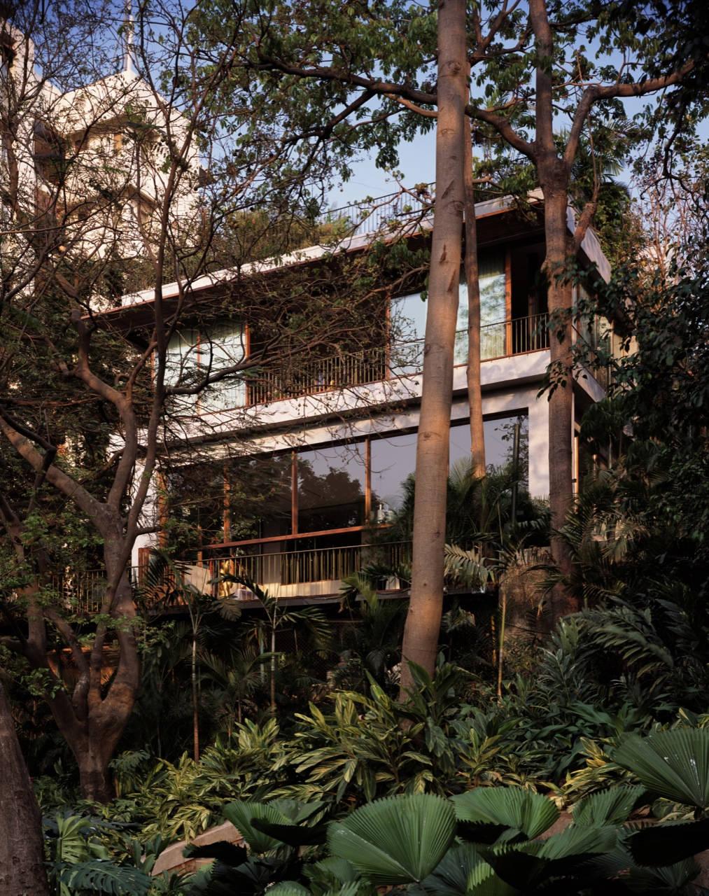 Casa em Pali Hill / Studio Mumbai Architects, © Helene Binet