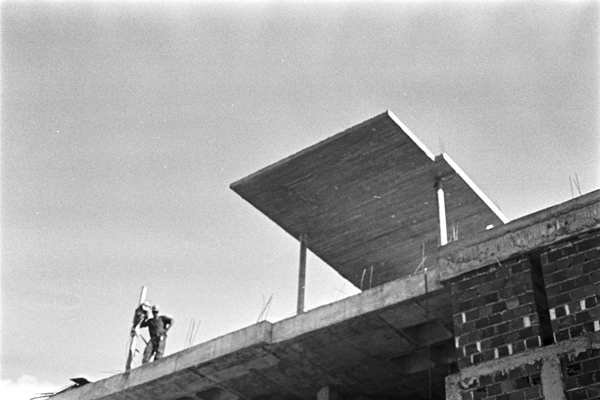 Em construção: Sede e Sinagoga da Sociedade Israelita da Bahia / Sérgio Ekerman, © Patrícia Almeida