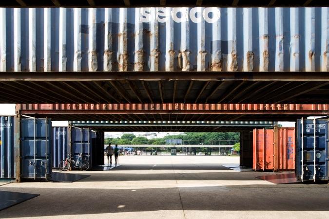 Container Art / Bernardes Jacobsen, © Leonardo Finotti