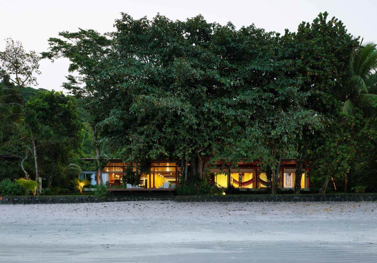 Casa na Praia Preta / Nitsche Arquitetos Associados, Cortesia Nitsche Arquitetos Associados