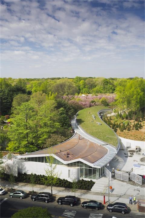 Centro de Visitantes do Jardim Botânico do Brooklyn / Weiss/Manfredi  , © Albert Vecerka/Esto