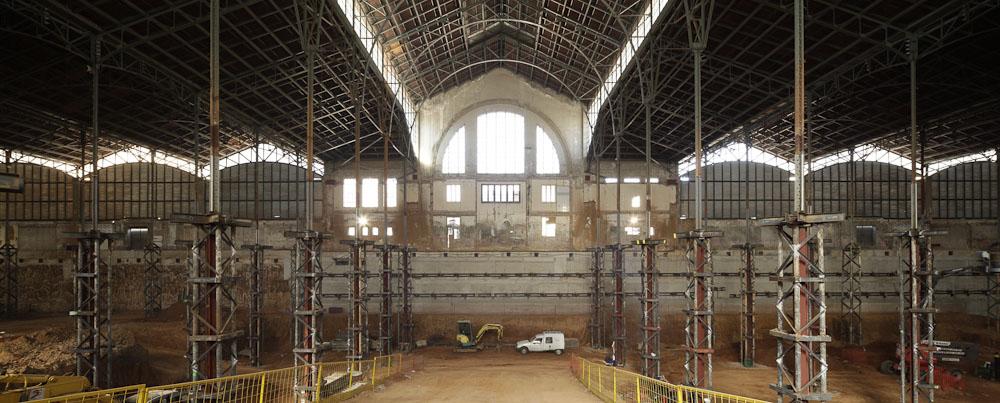 Em Construção: Continuam as Obras do Mercat del Ninot em Barcelona, © Adrià Goula