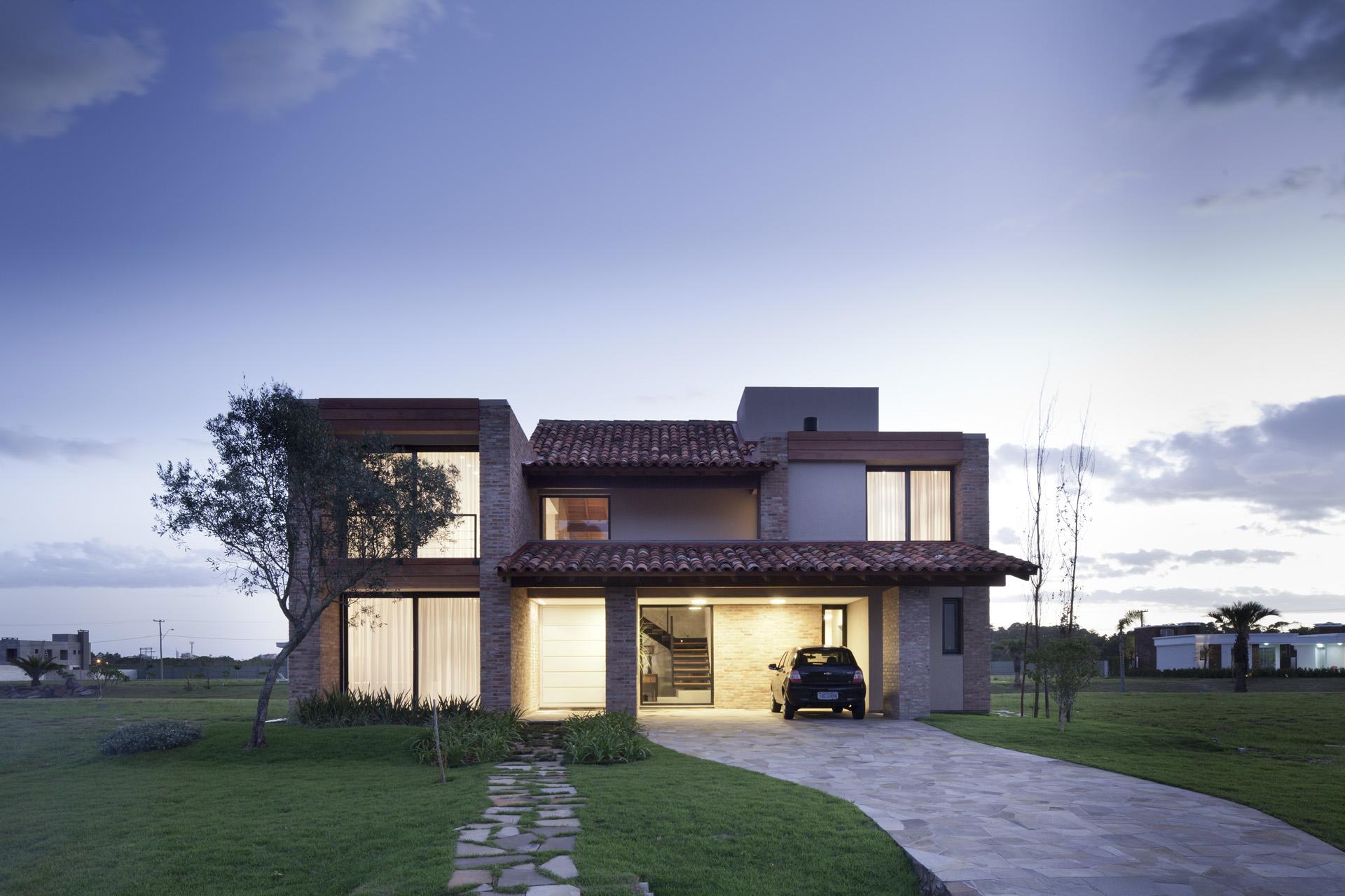 Casa CKN / Giugliani Montero Arquitetos, © Marcelo Donadussi