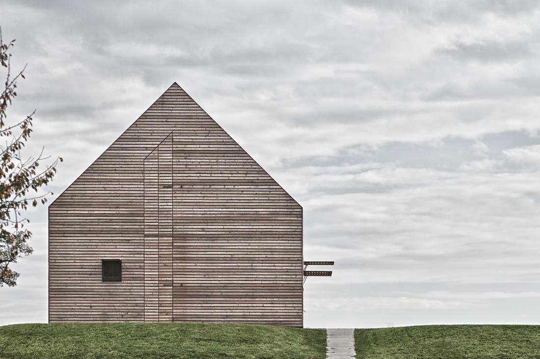 Casa de praia em Southern Burgenland / Judith Benzer Architektur, © Martin Weiß