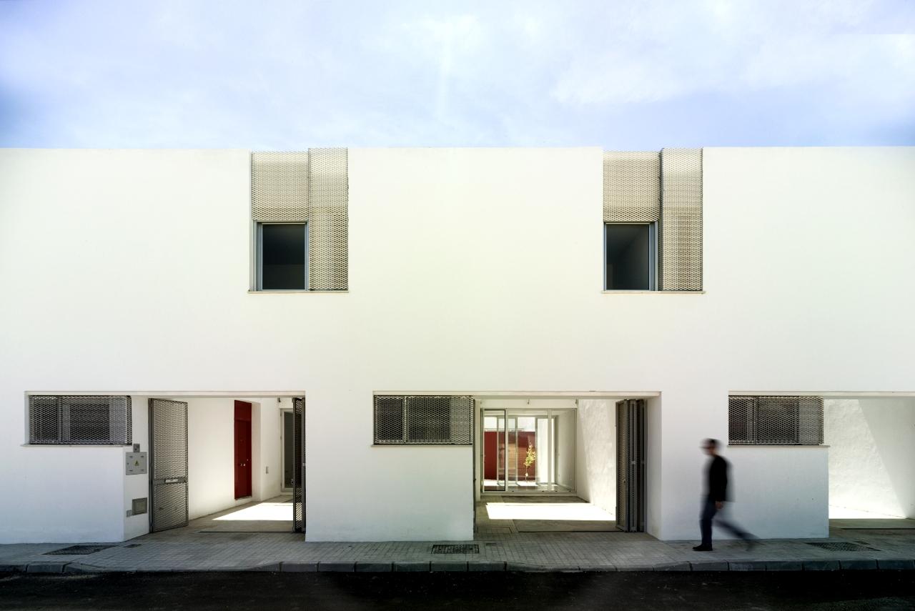 26 Habitações em Umbrete / Gabriel Verd Arquitectos, © Jesús Granada