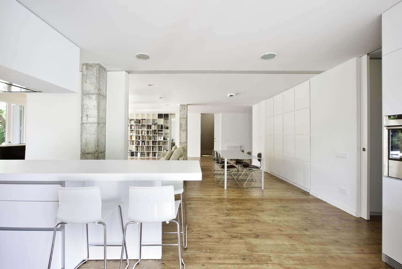 Reforma interior de uma habitação em Barcelona / Marià Castelló Martínez, Estudi EPDSE