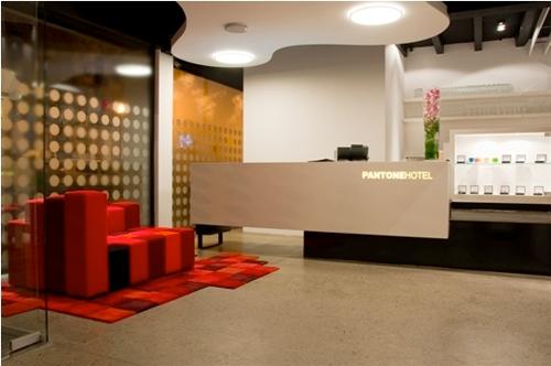 Pantone Hotel / Michel Penneman + Oliver Hannaert, Cortesia de Michel Penneman + Oliver Hannaert