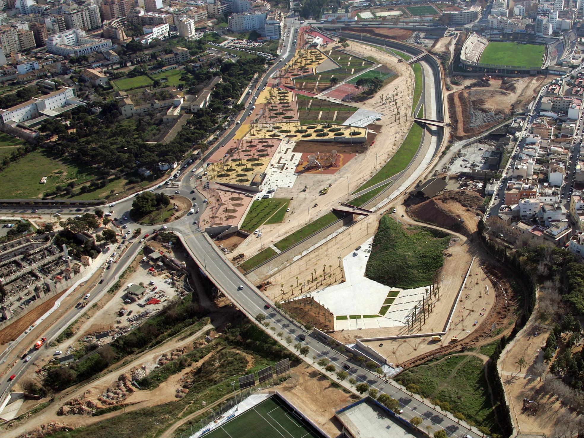 Parque de Sa Riera / Ravetllat Ribas Arquitectos  , © Mandarina Creativos