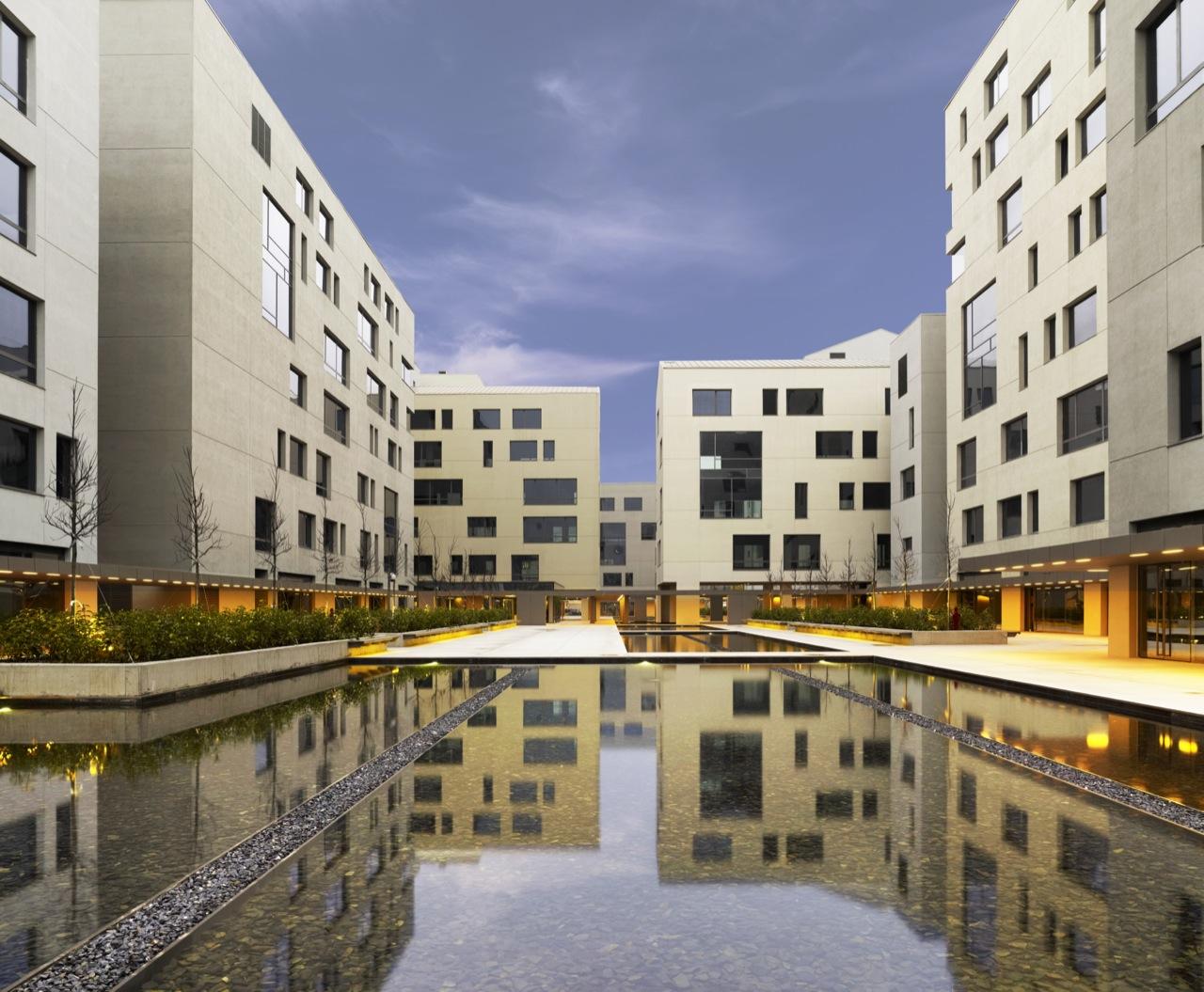 Tekfen Kagithane Ofispark / Emre Arolat Architects, © Cortesia de Emre Arolat Architects