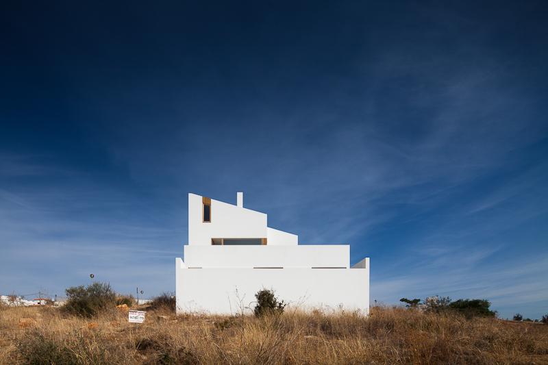 Residência na Mexilhoeira-Grande / Marco Arraiolos, © João Morgado