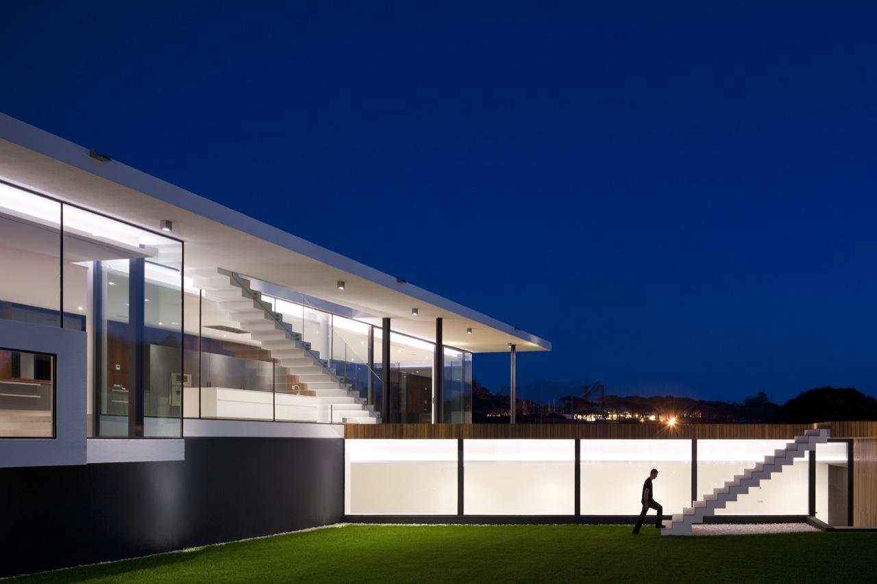 Casa em Vale do Lobo / Arqui+, © FG + SG - Fernando Guerra, Sergio Guerra