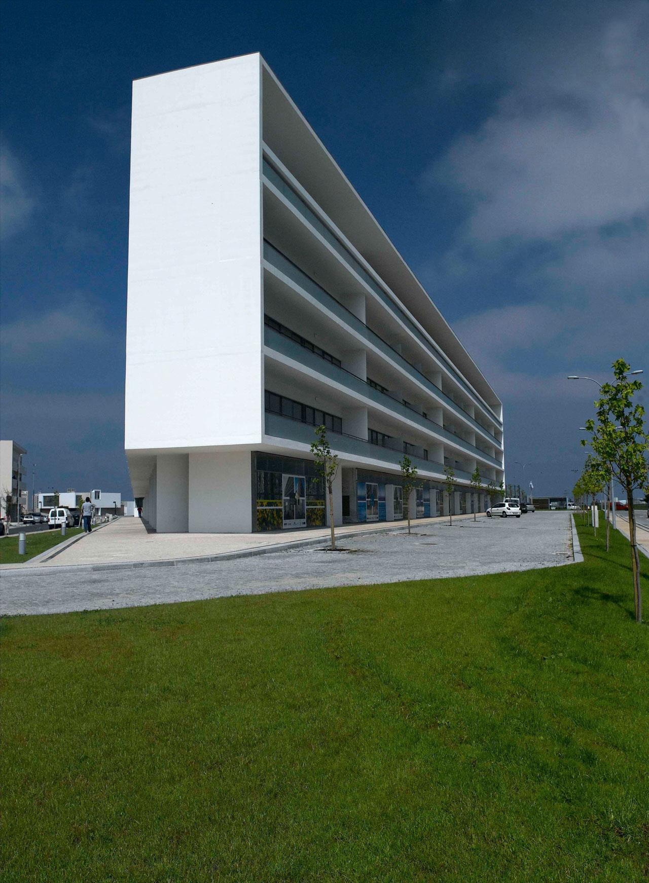 Edifício de Habitação da Póvoa de Varzim / Topos Atelier de Arquitectura, © Xavier Antunes