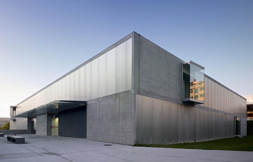 Centro de Saúde em A Parda / Vier Arquitectos, © Héctor Fernández Santos-Díez