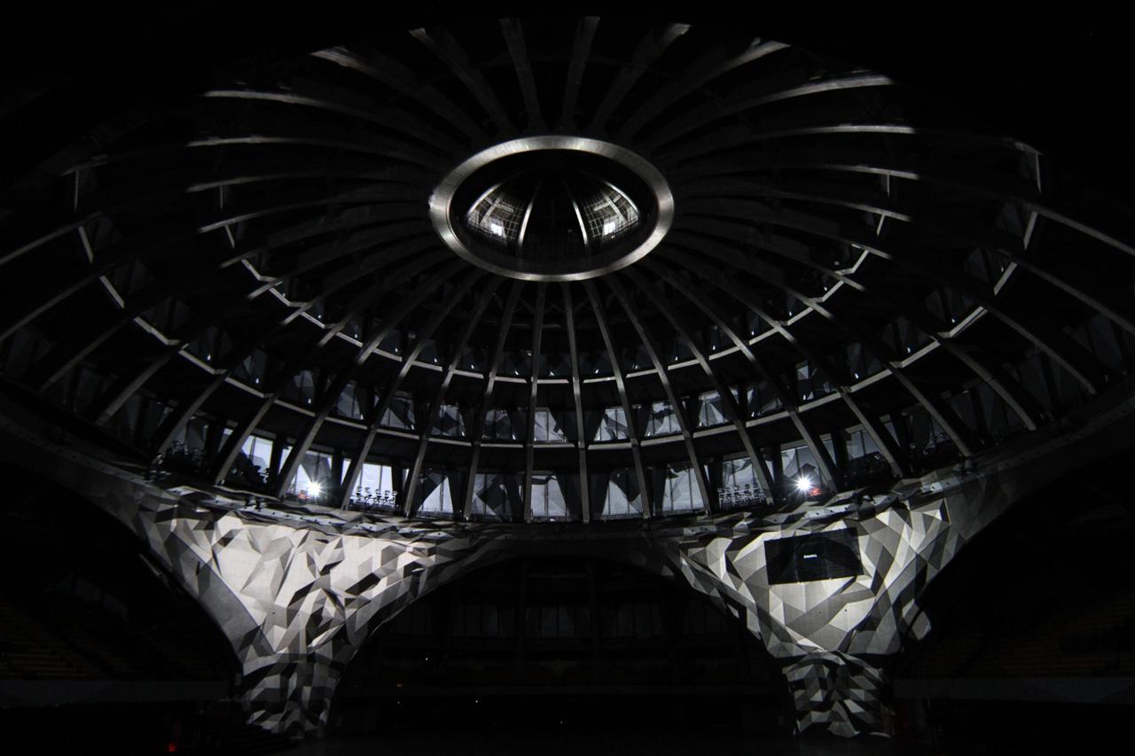 Instalação: O (Omicron)  / Romain Tardy & Thomas Vaquié, Cortesia de omain Tardy & Thomas Vaquié