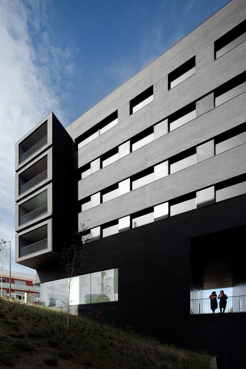 Edifício de Habitação Entroncamento / Belém Lima Arquitectos, © FG+SG – Fernando Guerra, Sergio Guerra