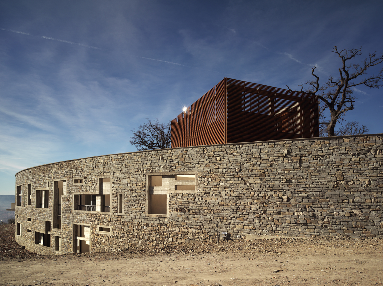 Centro de Saúde e Casa de Repouso / IPOSTUDIO Architects, © Pietro Savorelli