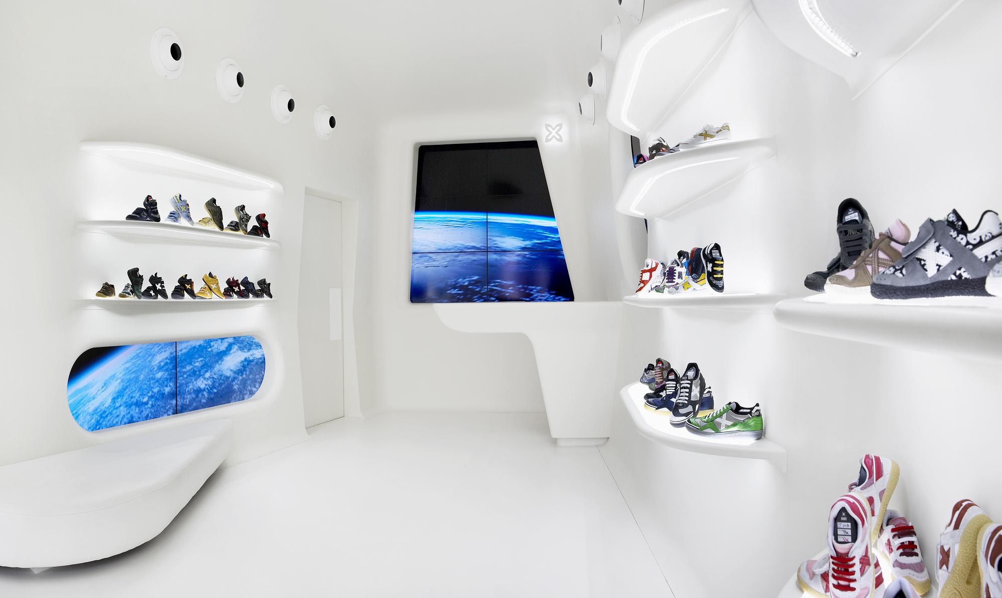 Boutique Mini Munich / Dear Design, © Xavi Mañosa