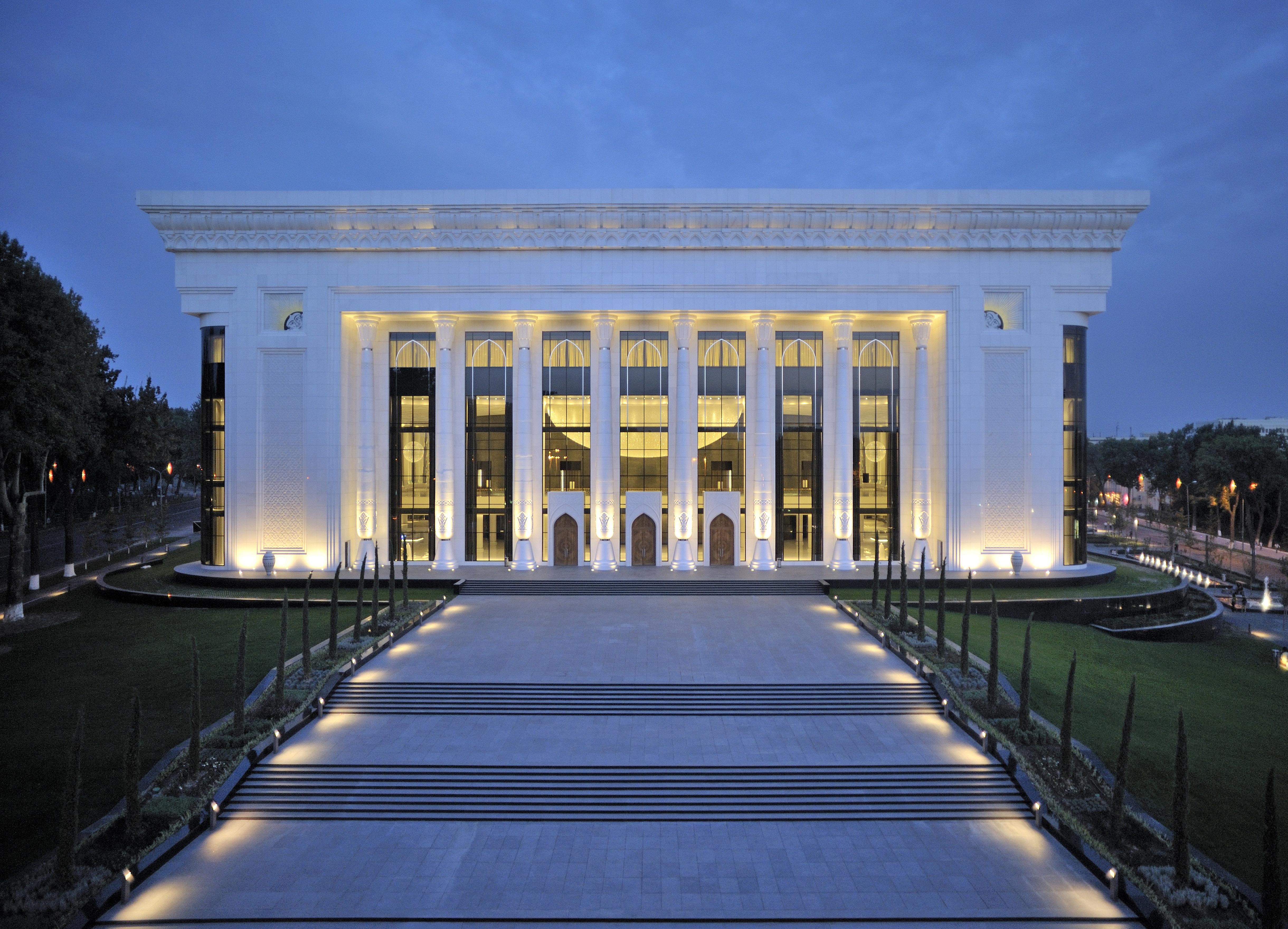 Projeto de Iluminação: Palácio Fórum Internacional / Pfarré Lighting Design, © Andreas J. Focke