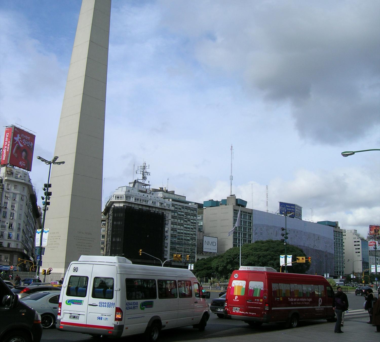 O transporte ilegal atropela a cidade: Rupturas e continuidades de Buenos Aires / Dr. Arq. Guillermo Tella, Buenos Aires, Argentina