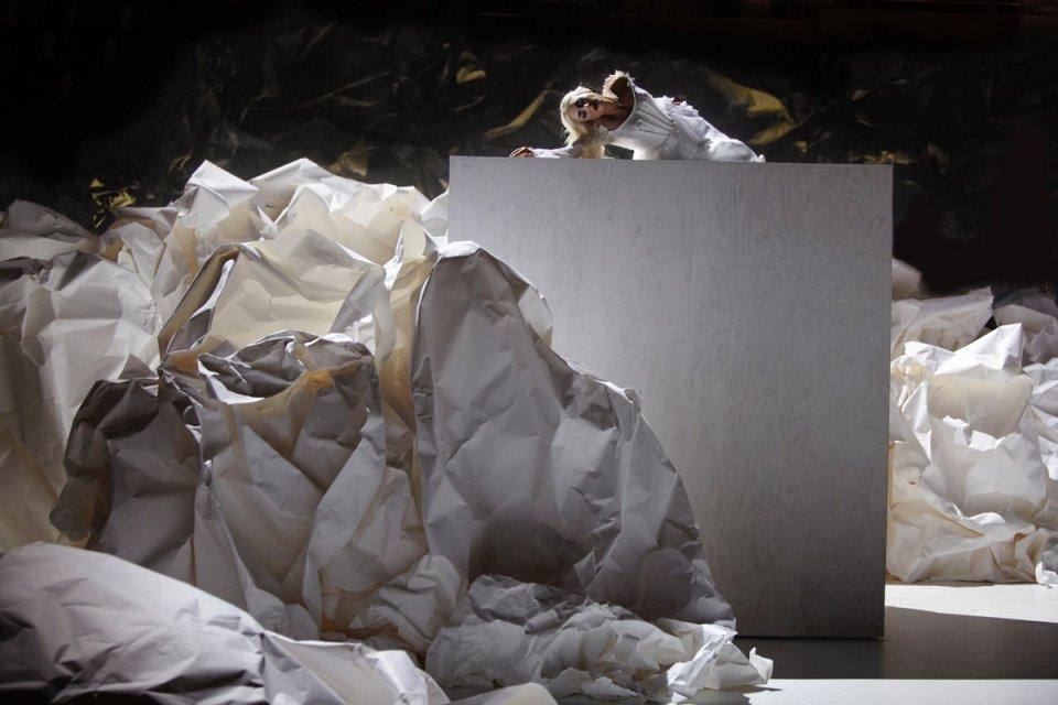Cenografia e Arquitetura: Don Giovanni / Gehry + Rodarte, © Autumn de Wilde
