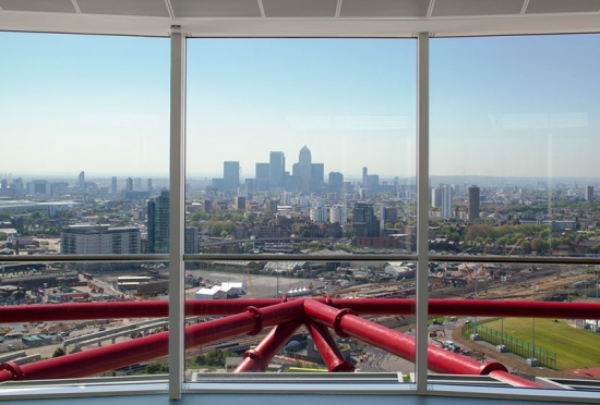 Video: Estruturas Transitórias -Tour de Arquitetura de Kathryn Findlay, Vista do ArcelorMittal Orbit em Londres.