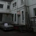 O ex-Kling Klang Estúdio, escondida em uma entrada traseira (Foto: Craig Robinson, flipflopflyin.com)
