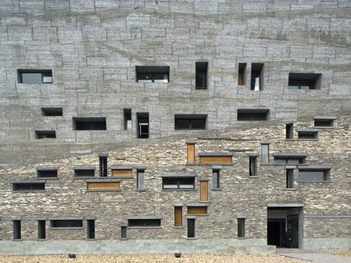 Exposição: 'Da Pequisa para o Projeto – Arquitetos selecionados da Universidade Tongji de Xangai' , Cortesia Trienal de Milão
