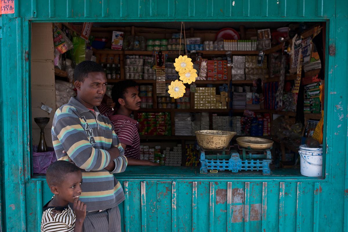 8503b7adc77c5 A luz é para todos  Little Sun   Olafur Eliasson   ArchDaily Brasil