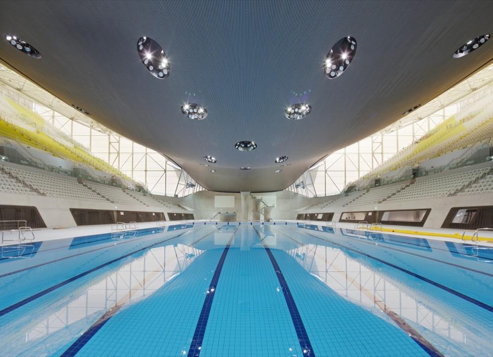O Centro Aquático de Zaha Hadid ganhou a aprovação do público, © Hélène Binet / Hufton + Crow
