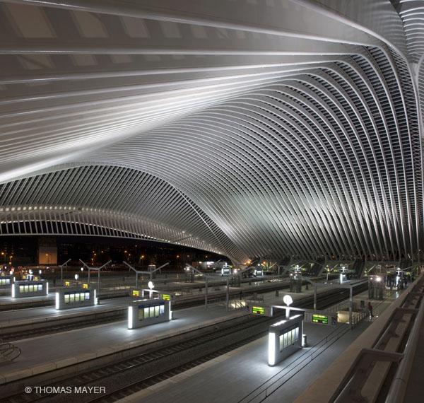 Fotografia e Arquitetura: Thomas Mayer, Estação de  Liege de Calatrava 2009 © Thomas Mayer