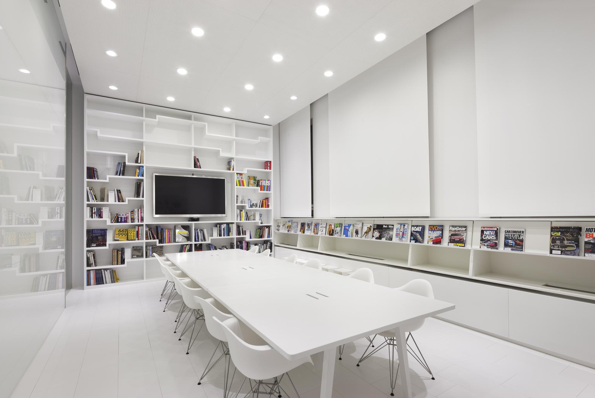 Galeria De Hyundai Advances Design Studio Delugan Meissl