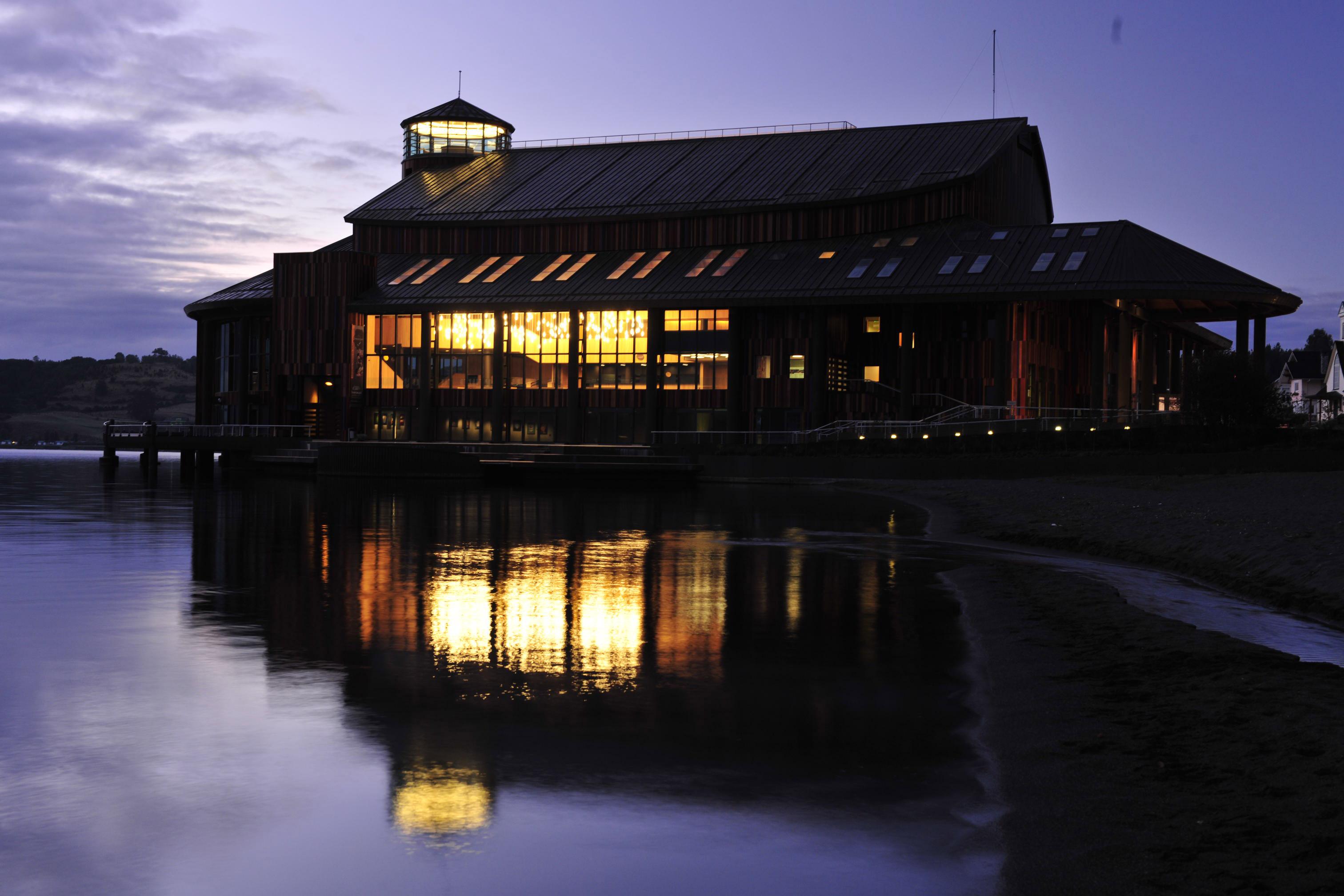 Projeto de Iluminação: Teatro del Lago / LLD – Limarí Lighting Design, © Guy Wenborne