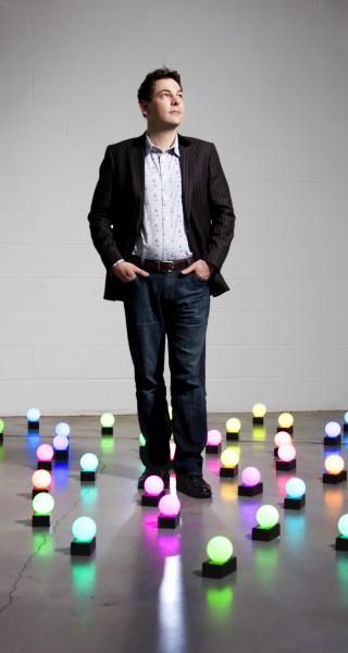 Sem medo de controlar a luz: Dominic Harris e Ludovico Lombardi, http://www.lighting.philips.com/main/lightcommunity/trends/luminous/